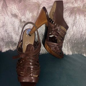 Women's Jessica Simpson brown strappy sandals 7.5